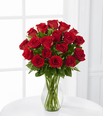 FTD® 18 Blooming Masterpiece™ Rose Bouquet