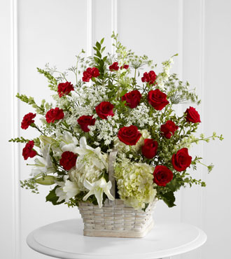 FTD® In Loving Memory™ Arrangement - Greater