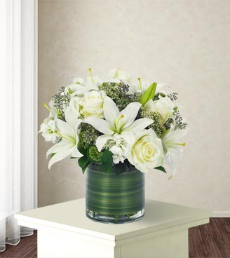 Lovely Lily & Roses Bouquet-All White