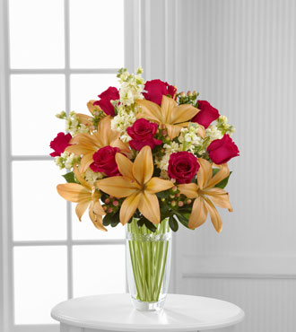 FTD® Luxe Looks™  Bouquet by Vera Wang - Greatest