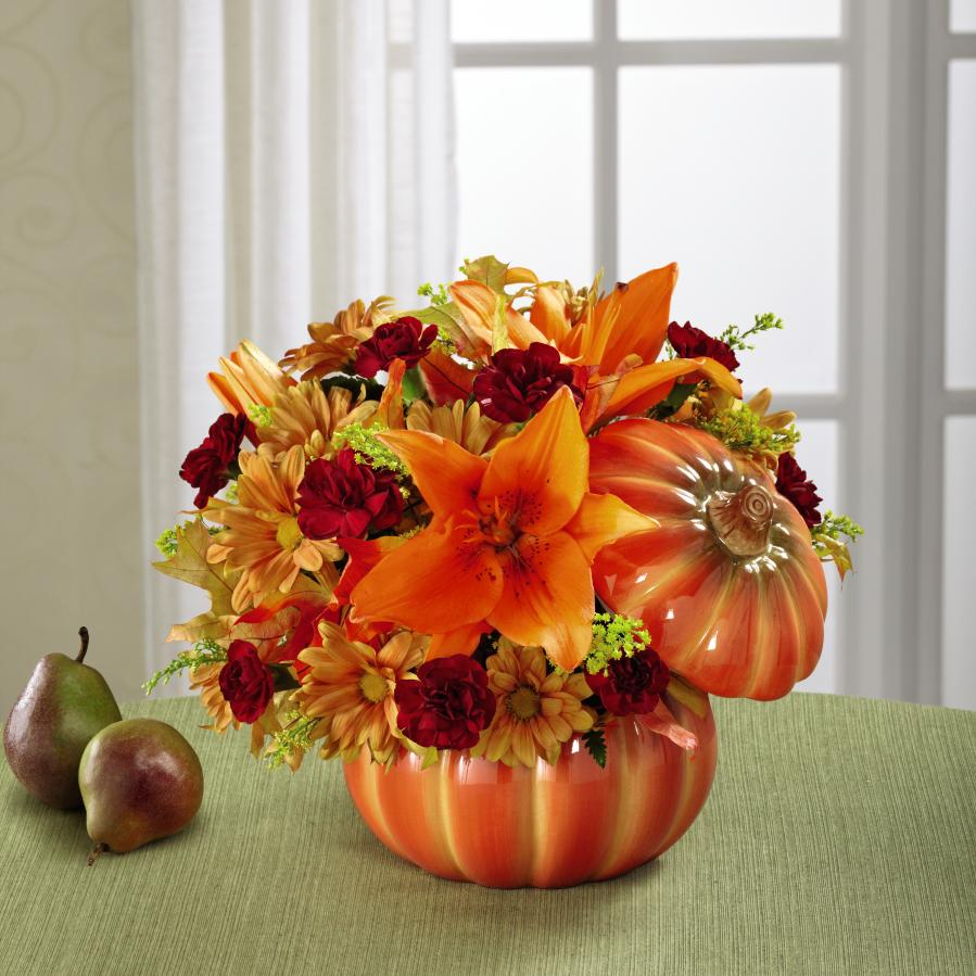 FTD® Bountiful™ Bouquet