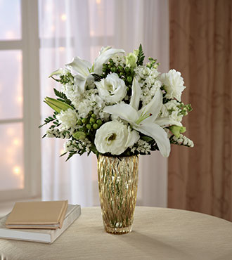 FTD® Holiday Elegance™ Bouquet for Kathy Ireland Home
